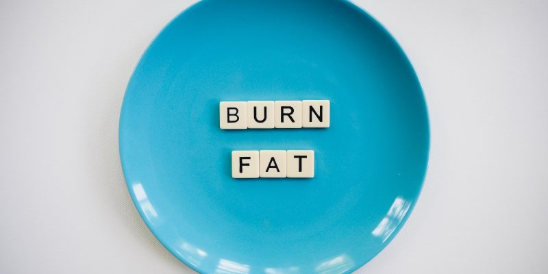 Jak bezpiecznie pozbyć się tkanki tłuszczowej